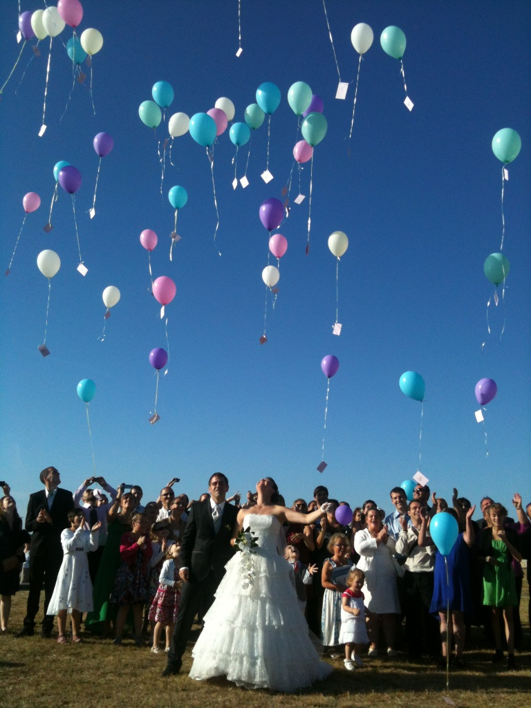 balloon release wedding