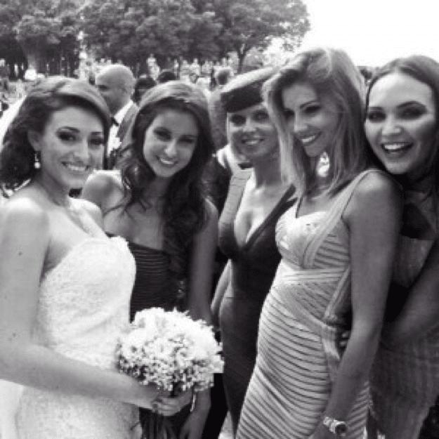 En 2013 les peoples se marient ceremonize for Robes de renouvellement de voeux de mariage taille plus