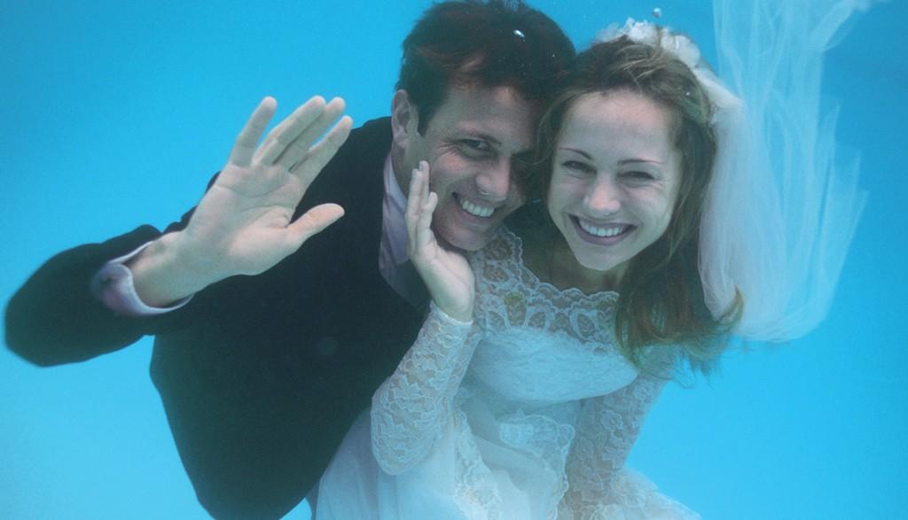 Une cérémonie de mariage sous l'eau