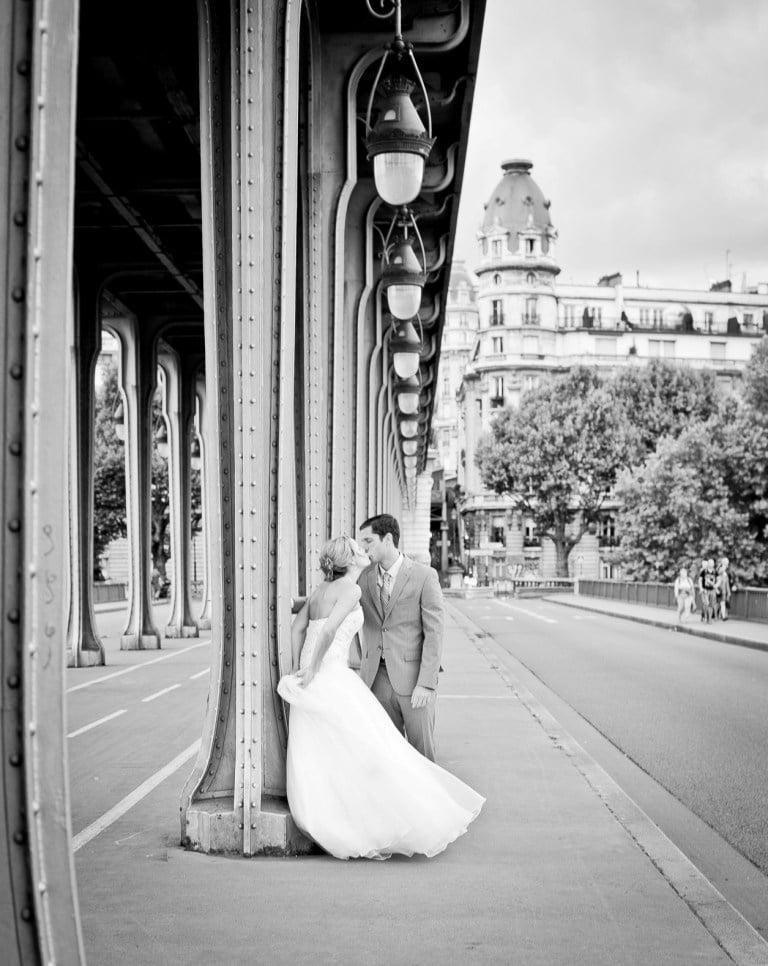Romantic photo tour in Paris