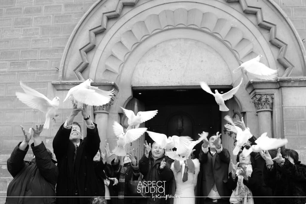 releasing doves wedding