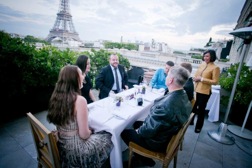 dinner terrace eiffel tower view