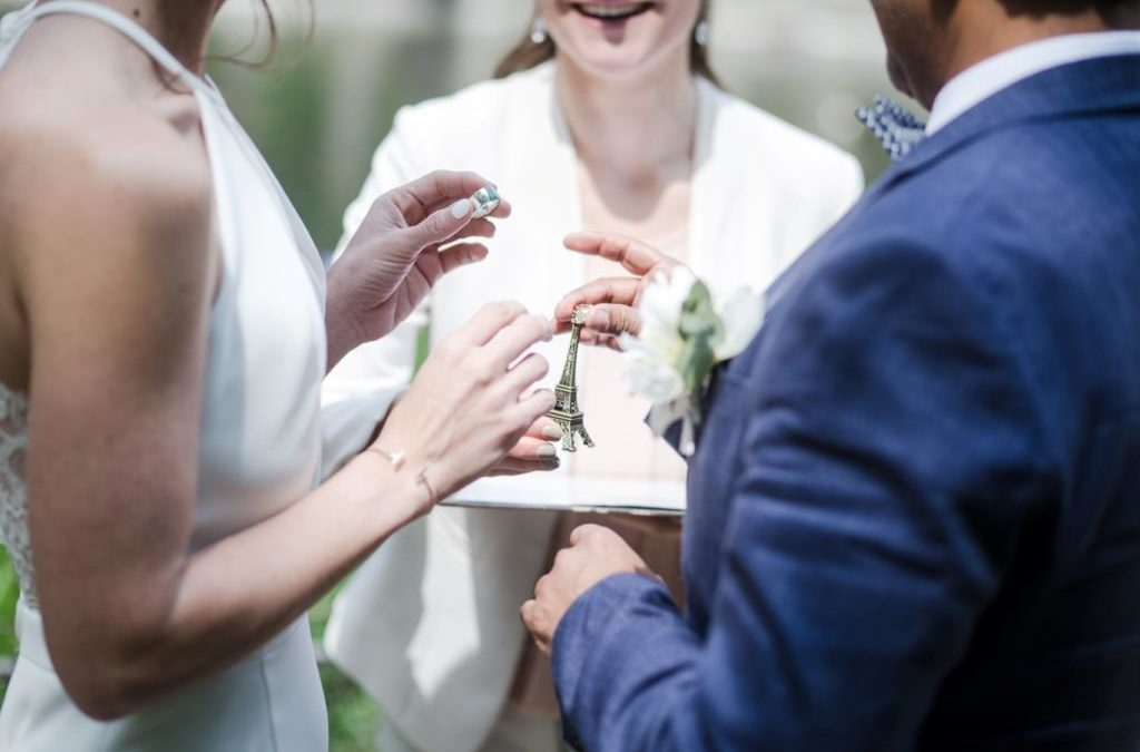 Organising a symbolic wedding ceremony in Paris